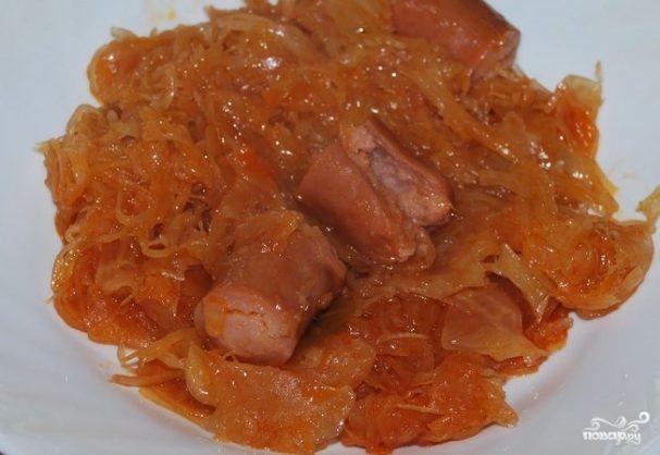 Квашеная тушеная капуста с сосисками рецепт пошагово