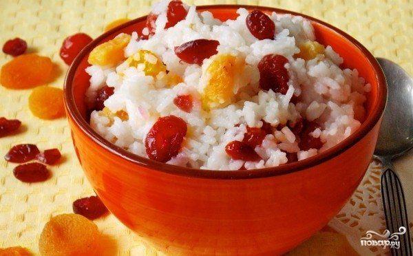Рисовая каша с сухофруктами