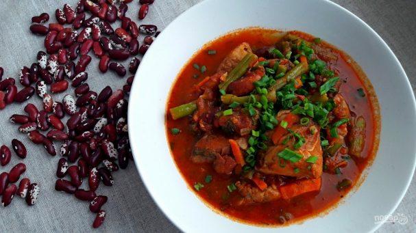 Касулле (мясо с фасолью и овощами)
