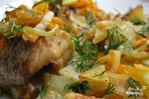 Щука в духовке с картошкой
