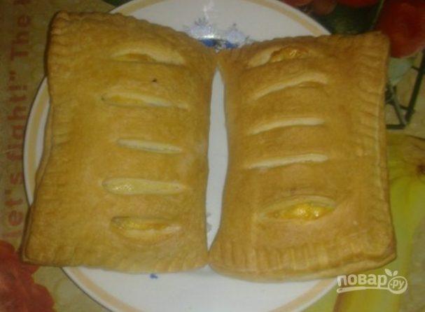 Слойки с колбасой