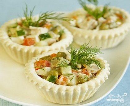 "Тарталетки с салатом ""Оливье"""