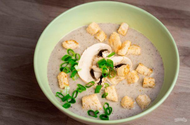Грибной крем-суп с домашними гренками
