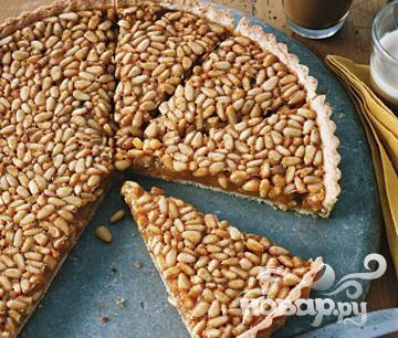 Торт с медом и кедровыми орехами