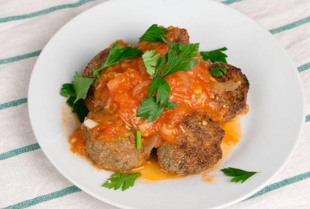 Тефтели в томатном соусе (вегетарианские)
