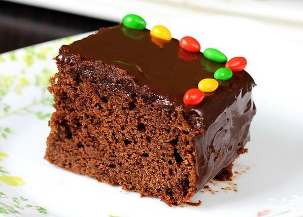Шоколадный торт с бананом