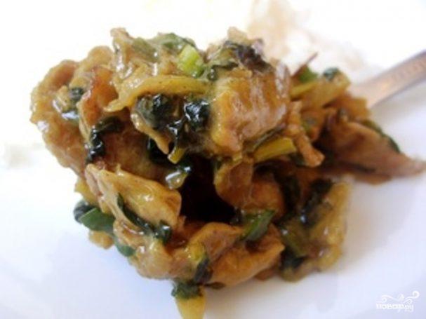 Соевое мясо со шпинатом и сливками