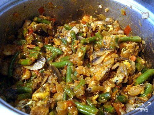 Овощное рагу с грибами и мидиями