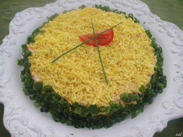 """Салат """"Мимоза"""" с консервой"""