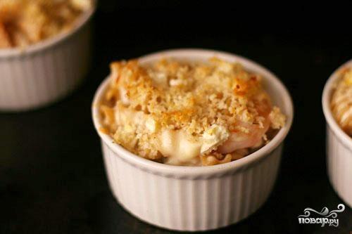 Запеченная паста с сыром Фета и креветками