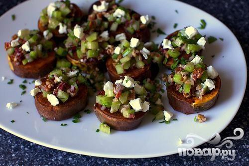 Сладкий картофель с орехами и сыром