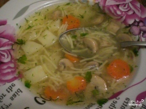 Суп с грибами и вермишелью