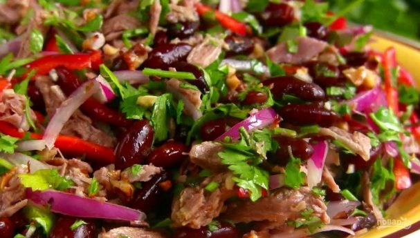 Салат «Тбилиси» с фасолью и говядиной