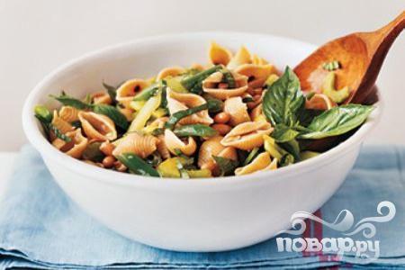 Салат с пастой и фасолью
