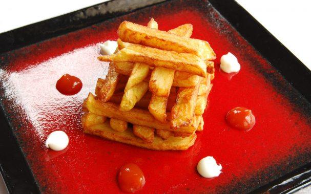 Картофель фри на сковороде