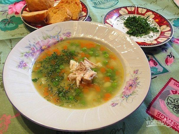 Суп с манкой и зеленым горошком