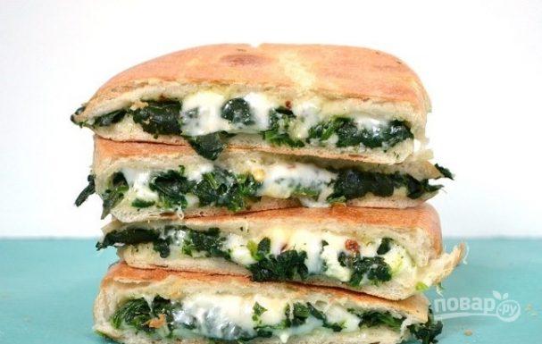 Бутерброды на сковороде с сыром и шпинатом