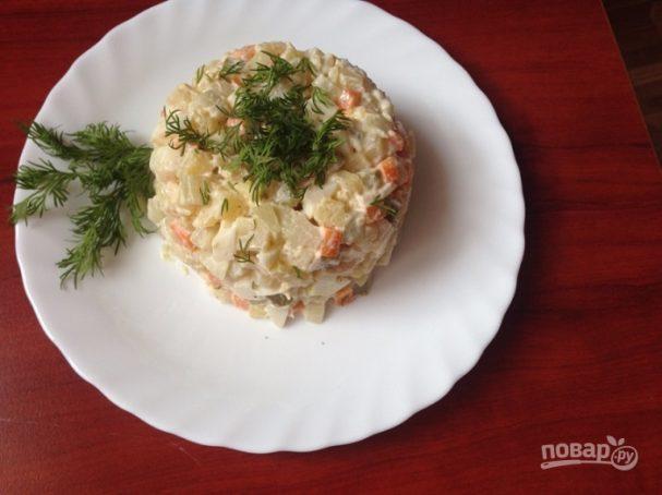 Салат из кальмаров с яйцами