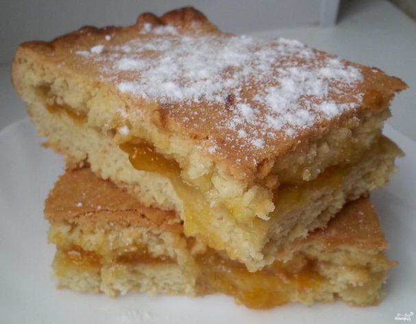 Песочный пирог с абрикосовым вареньем