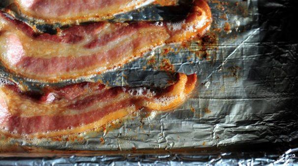 Бекон запеченный в духовке