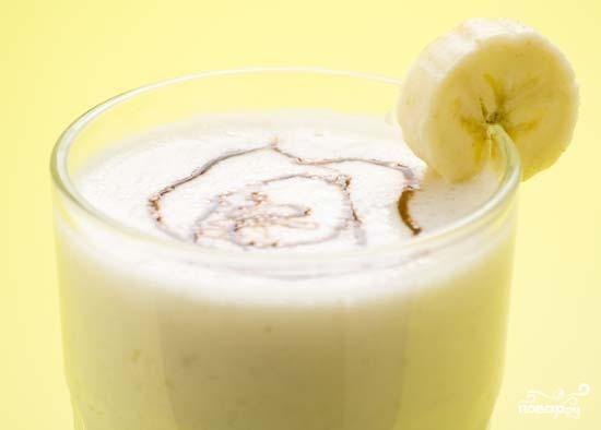 Легкий банановый коктейль