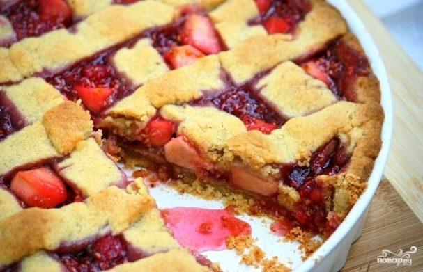 Торт Линцер с малиной и яблоками
