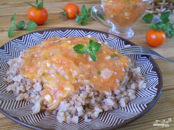 Как приготовить гречку с томатным соусом