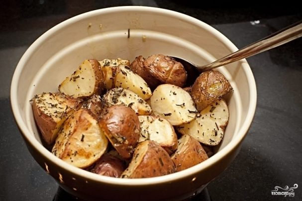 Картофель с розмарином