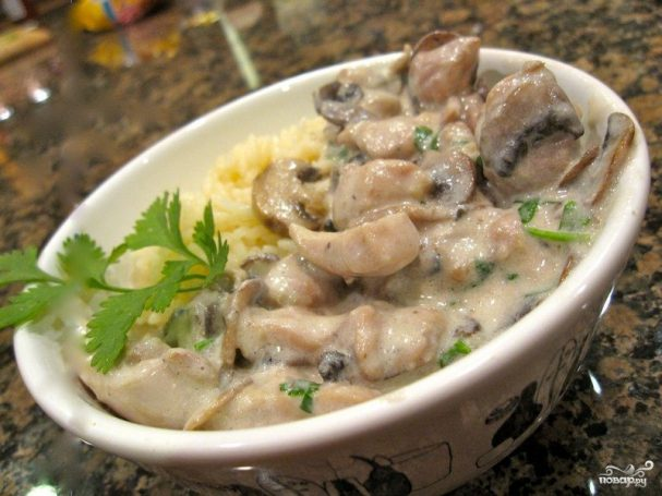 куриное филе в сметанном соусе с грибами в мультиварке