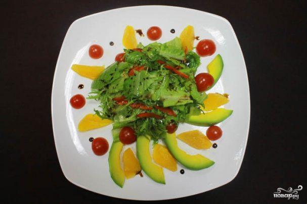 Салат с авокадо и апельсинами