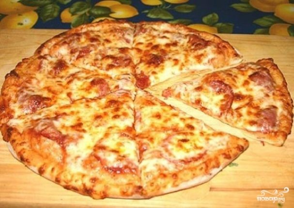 Пицца на сковороде на сметане