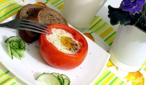 Яичница в помидорах в духовке