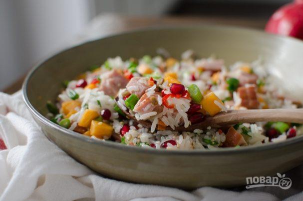 Азиатский салат с рисом