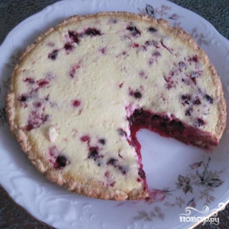 Если пирог недостаточно остыл, а вам нетерпиться его попробовать следует иметь в виду , что начинка в этом случае будет немного растекаться.