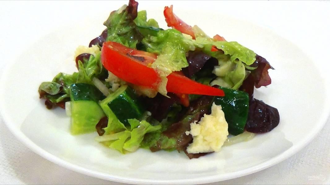 Легкий салат с универсальной заправкой