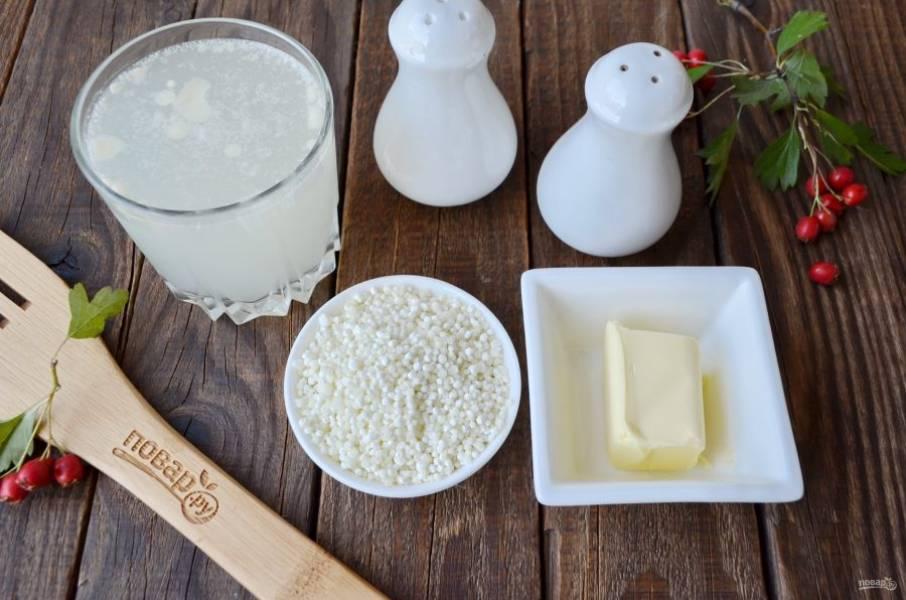 Для варки саго приготовьте: бульон, крупу, соль-перец и кусочек сливочного масла. Приступим!