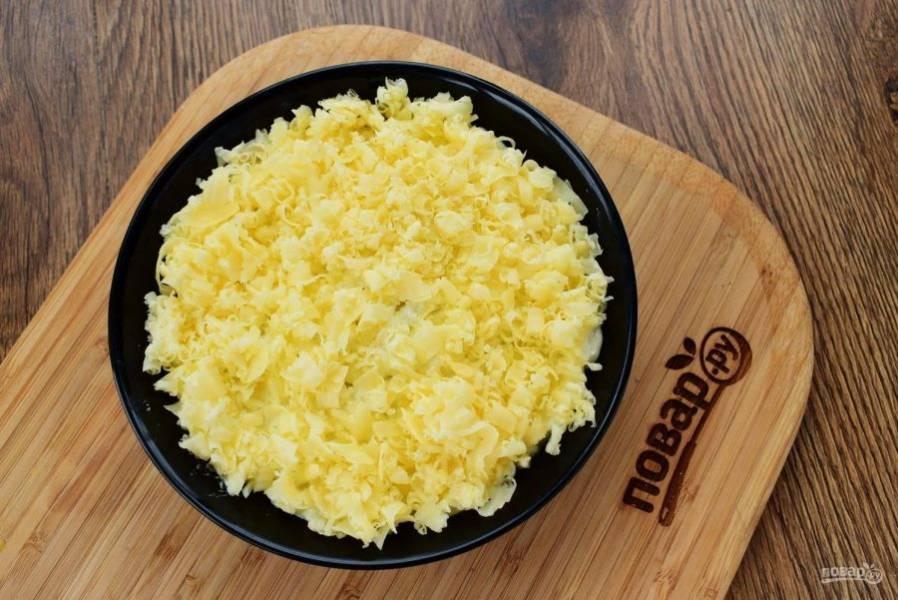 6.     Четвертый – натертый сыр, майонез.