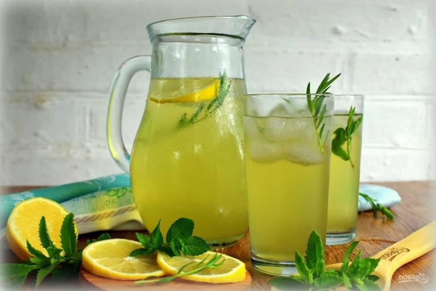 Лимонад из тархуна, лимона и мяты
