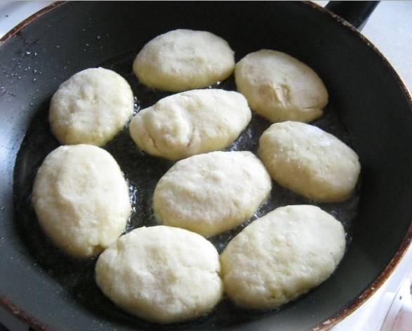 Картофельные пирожки с мясом - пошаговый рецепт