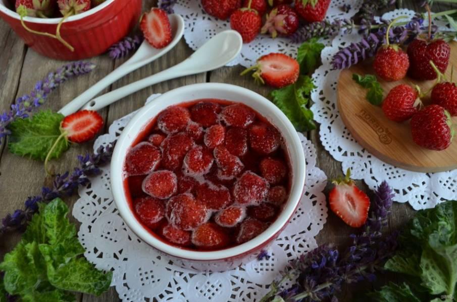 Заготовки из клубники: варенье, джем, компот и наливка
