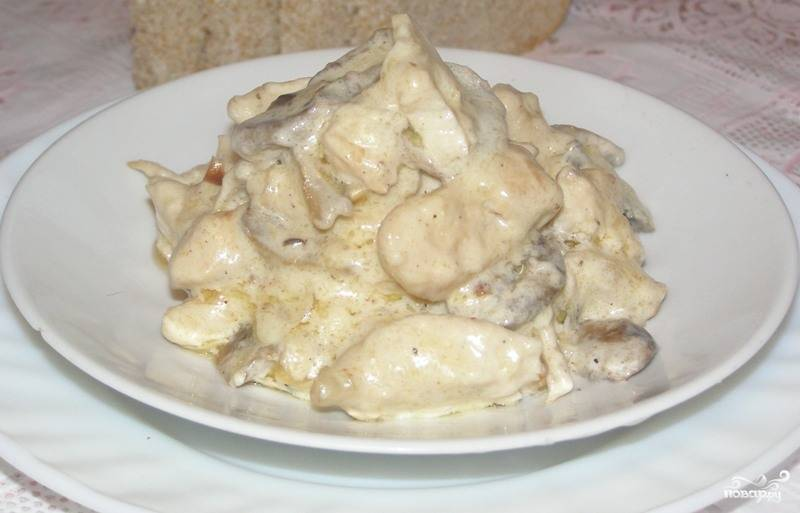 Фрикасе из курицы с шампиньонами