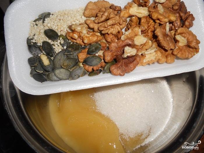 Козинаки с медом - пошаговый рецепт