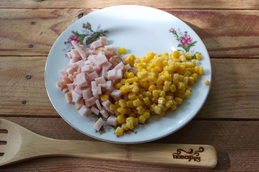Салат из ананасов и кукурузы - пошаговый рецепт с фото на