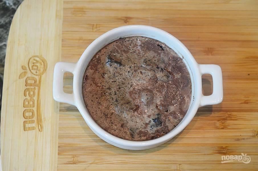 Запеченный крем из печени с грибами под брусничным желе - пошаговый рецепт