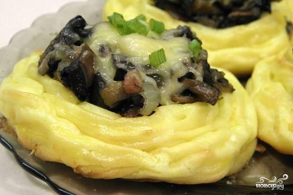 Картофельные корзиночки с грибами