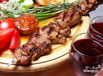 Мясо подавайте с овощами. Приятного аппетита!