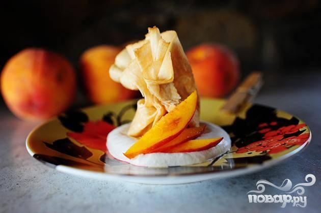 Блинчики с персиковой начинкой