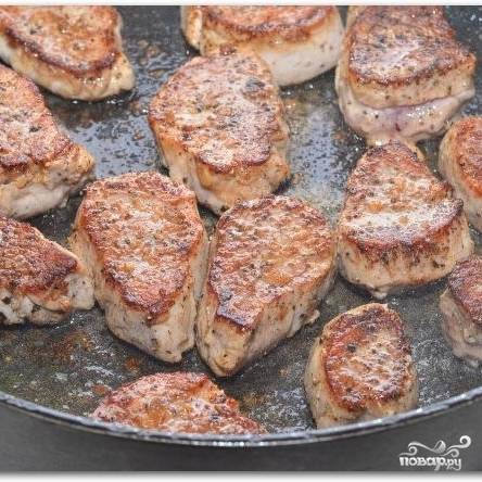Свиные медальоны с черносливом - пошаговый рецепт с фото на