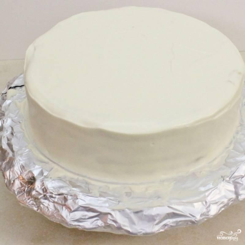 """14. Верх и края торта """"Дамские пальчики"""" покройте оставшимся кремом."""
