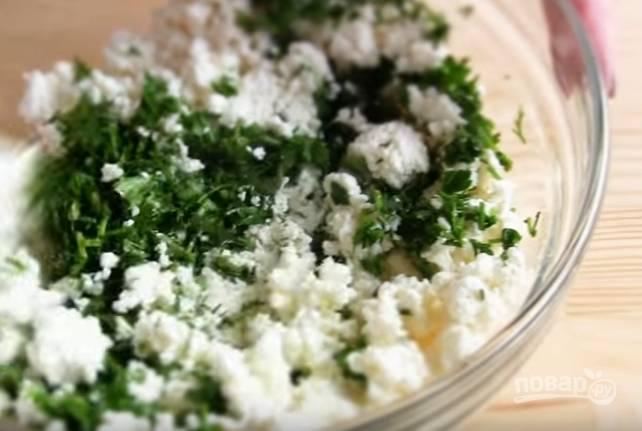 Лепешки к шашлыку с зеленью и творогом - пошаговый рецепт